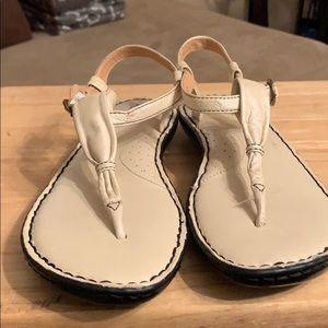 Born women sandals